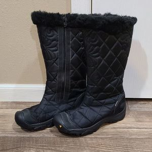 6 Keen Waterproof Quilted Boots